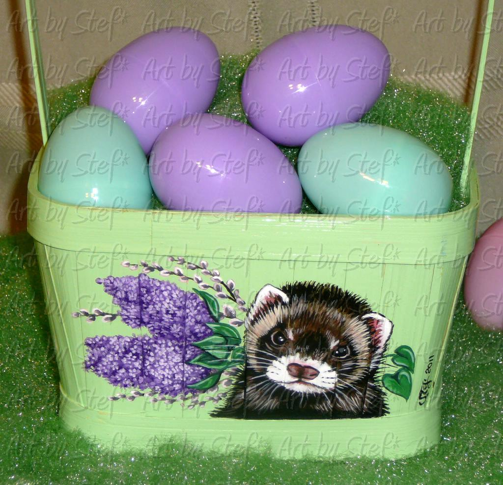 Collectables; Mint Green Lilac Pussy Willow Ferret Basket; Hand Painted Wooden Basket; Stef
